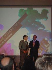 El Instituto Bernabeu recibe el Premio Alfil de Nuevas Tecnologías