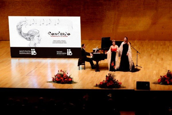 Full house at the ADDA on the night of the Instituto Bernabeu concert in honour of women