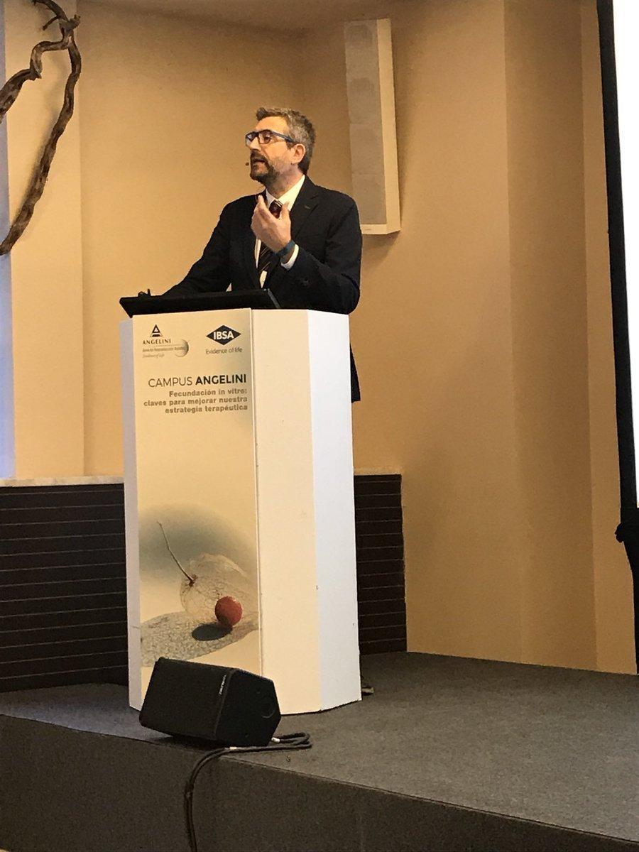 El Instituto Bernabeu trata las novedades en farmacogenética para la estimulación ovárica en el Campus Angelini