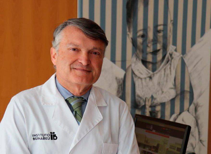 """""""El futuro es ahora"""", el doctor Rafael Bernabeu aborda la innovación en biomedicina en el XX Congreso de Propiedad Intelectual e Innovación"""