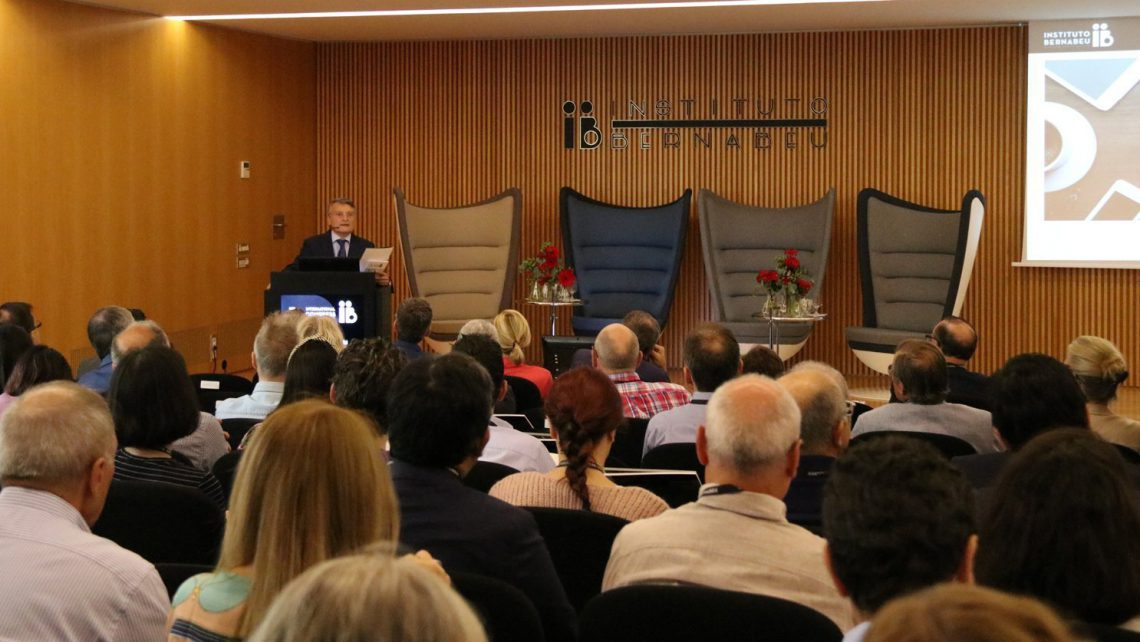 Instituto Bernabeu brings the third edition of the international Meeting the Experts event to a close