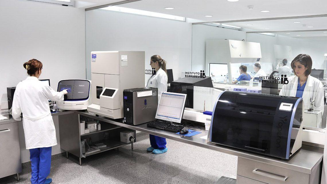 La revista especializada Reproductive BioMedicine Journal recoge la investigación de Instituto Bernabeu sobre la biopsia embrionaria no invasiva para detectar alteraciones cromosómicas