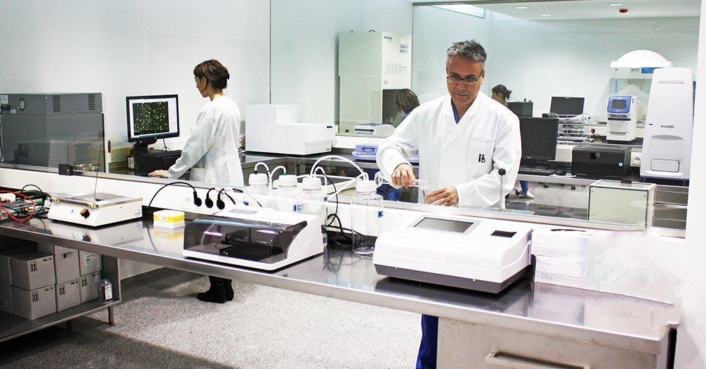 Instituto Bernabeu utiliza la secuenciación genética masiva para desentrañar las causas de infertilidad desconocidas