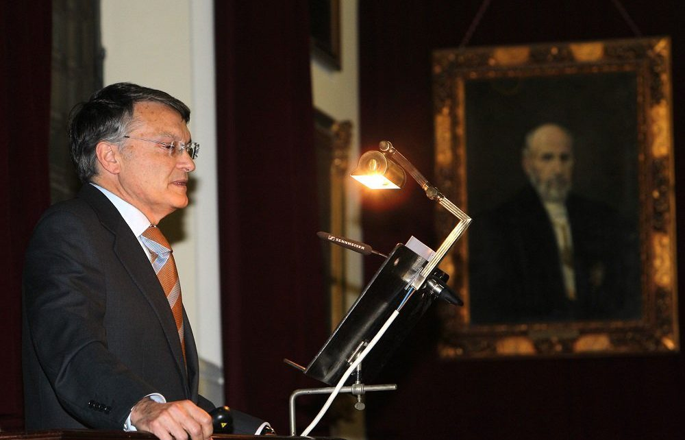 Zaragoza's Royal Academy of medicine has appointed Doctor Rafael Bernabeu as academic