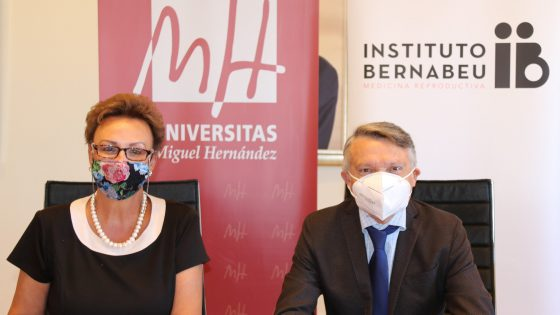 Un convenio entre Instituto Bernabeu y la UMH ofrece ventajas a trabajadores y estudiantes en las consultas ginecológicas, tratamientos y el seguimiento del embarazo