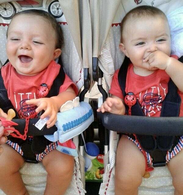 Difference between identical and fraternal twins