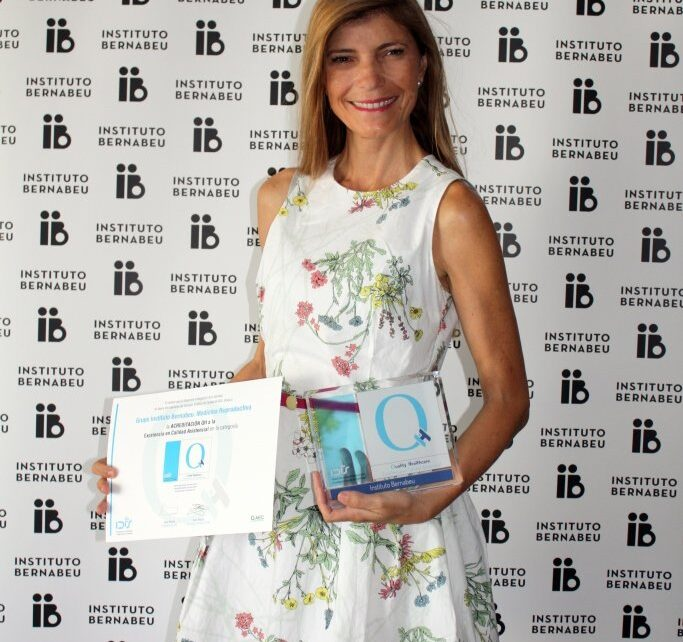 Instituto Bernabeu is awarded the QH recognition of Quality Healthcare Excellence
