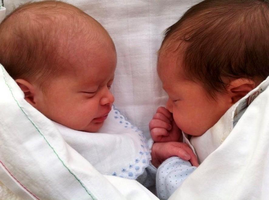 Warum ist es wichtig, eine Zwillings- oder Drillingsschwangerschaft zu vermeiden? - Instituto Bernabeu